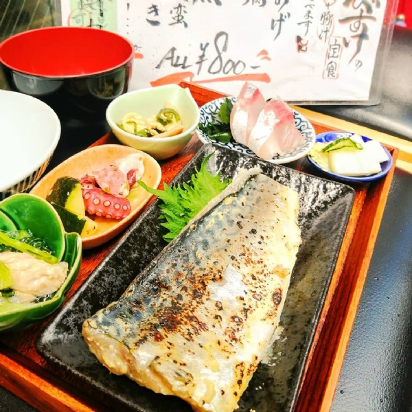 Photo by wabisuke.zaura on June 17, 2021. May be an image of food and indoor.