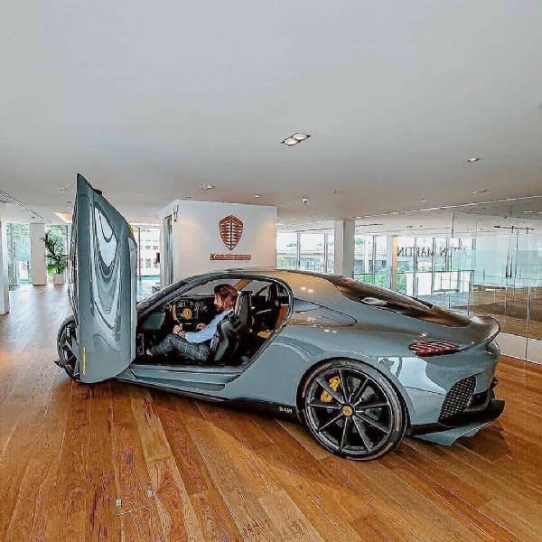 Photo shared by Compare Your Car Lease on June 08, 2021 tagging @koenigsegg, @koenigseggmotors, @koenigsegg.registry, @koenigsegg.cars_, @don_koenigsegg, @ghostsquadron.koenigsegg, @compareyourcarlease, and @koenigsegg_norway. May be an image of car.