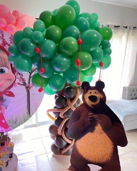 Photo by Betsi Deco & Sweet in Kissimmee; Orlando, Florida. May be an image of balloon and indoor.