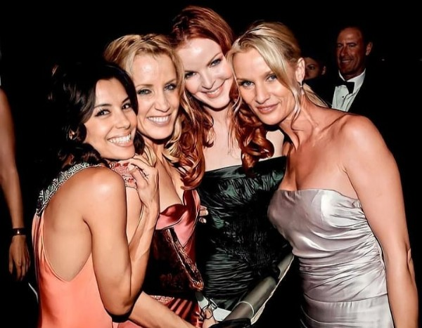 Photo shared by     ✨ on June 22, 2021 tagging @reallymarcia, @evalongoria, and @nicollettesheridan. May be an image of 5 people and people standing.