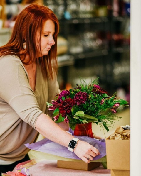 Photo by Mighty Peace Tourism in Raediance Florist & Gift Shop. May be an image of 1 person, flower and indoor.