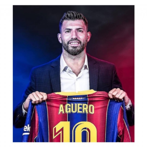 Photo by A&R Sports ⚽ in Camp Nou with @fcbarcelona, and @kunaguero. May be an image of 1 person and text that says 'ek AGUERO 10'.