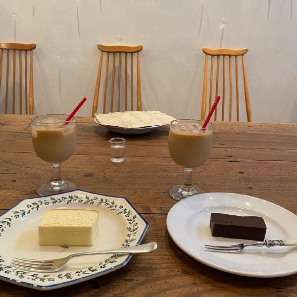 Photo shared by #大阪グルメ on June 21, 2021 tagging @le_prieure. May be an image of dessert and indoor.