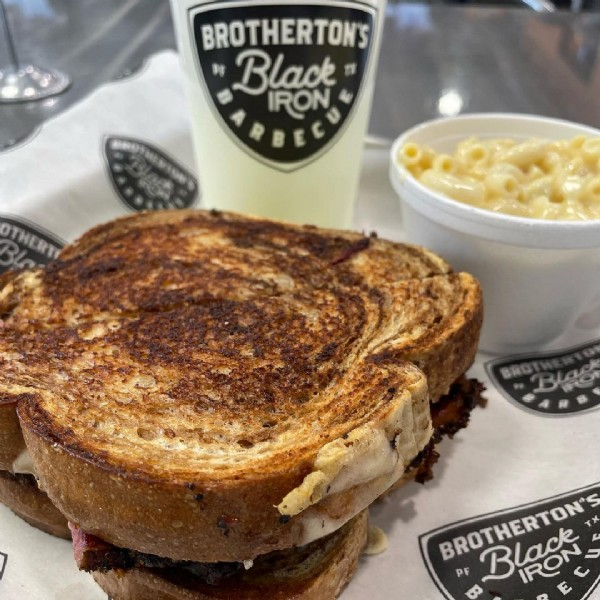 Photo by dynerz in Brotherton's Black Iron Barbecue with @brothertonsbbqpftx. May be an image of food.