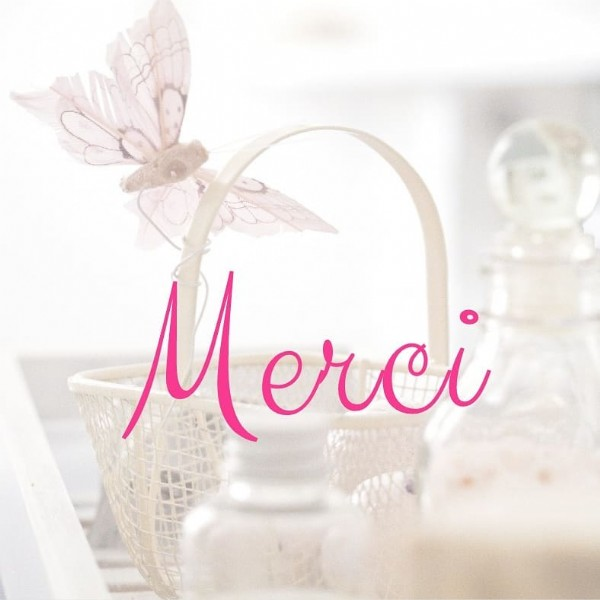Photo by Lucille GAY in Élancourt. May be an image of flower and text that says 'M erci'.