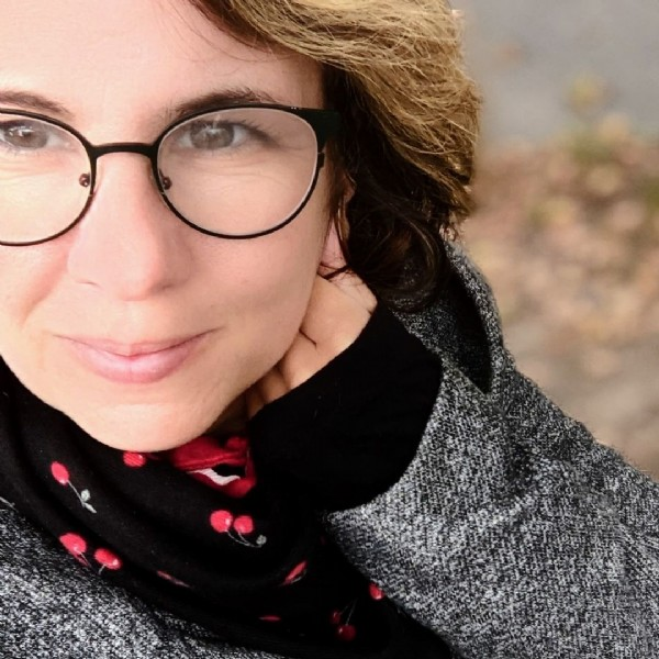 Photo by Sari Mondgras on September 17, 2021. May be a closeup of 1 person, eyeglasses and outdoors.