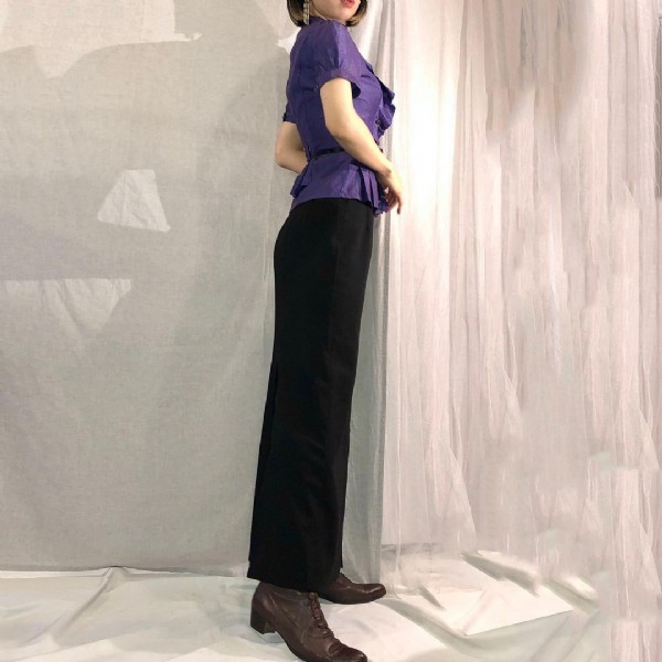Photo by EULLIN -Telltale Vintage- in Eullin Kiefer. May be an image of standing and indoor.