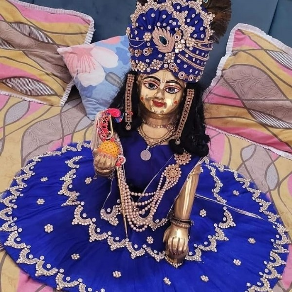Photo by Mandvi in Radhe Krishna with @vibha1744. May be an image of 1 person.
