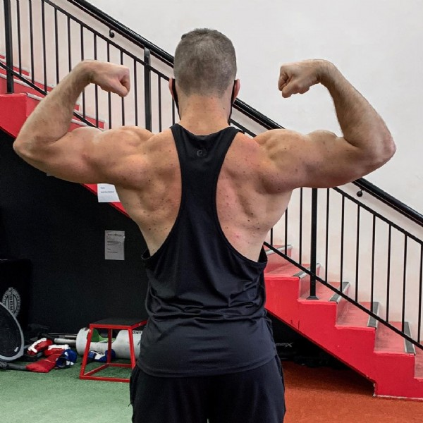 Photo shared by Blair Munro on July 31, 2021 tagging @ryderwear, @aust_sports_nutrition, @worldgymglobal, @icn_nsw, @worldgymau, @asn_fuelled, @worldgymmaitland, and @asngreenhills_. May be an image of one or more people, biceps, people standing and indoor.