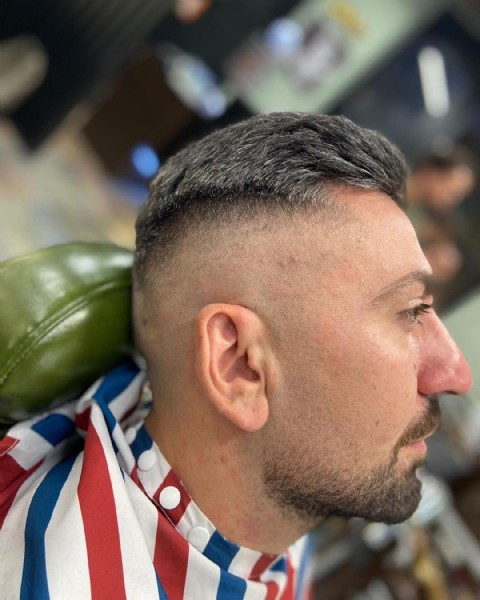 Photo shared by antonio lioi on July 31, 2021 tagging @sr_goldhand, @denora_barber_man_, @hair_bello, @menshairs, @menshair.clips, @menshair.it, @davide_greco_barber, @_spartano_, @davideloprien, and @chri_loverre. May be an image of 1 person and beard.