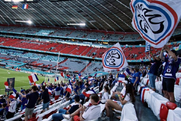Photo by Modern Coliseum in Allianz Arena with @euro2020, @irresistiblesfrancais, and @fff. May be an image of one or more people.