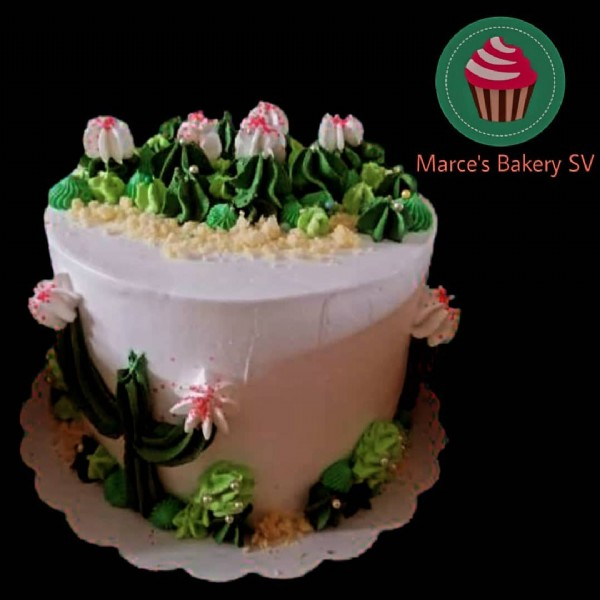 Photo by Marce's Bakery SV on June 18, 2021. May be an image of cake, flower and text that says 'Marce's Bakery SV'.