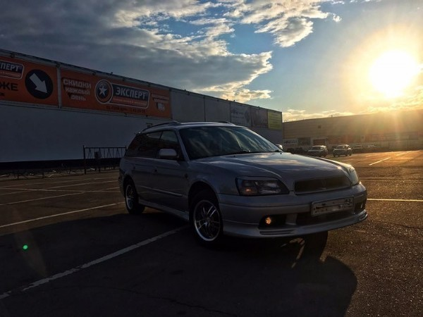 Photo shared by Subaru Club Иркутск  on May 12, 2021 tagging @sulima_38. May be an image of car and road.