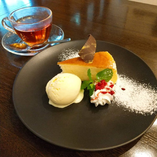 Photo by ソルビバ&但馬屋 on June 19, 2021. May be an image of dessert and indoor.