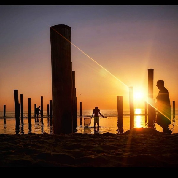 Photo by Paula Muller in Petten aan Zee. May be an image of twilight, body of water and nature.