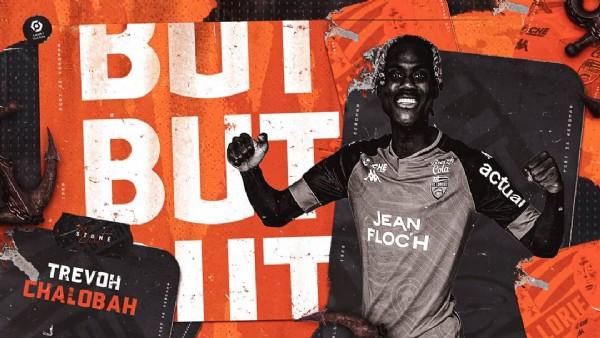 Photo by FC Lorient  in Stade de la Meinau with @yungchalobah, and @fclorient. May be an image of 1 person and text.