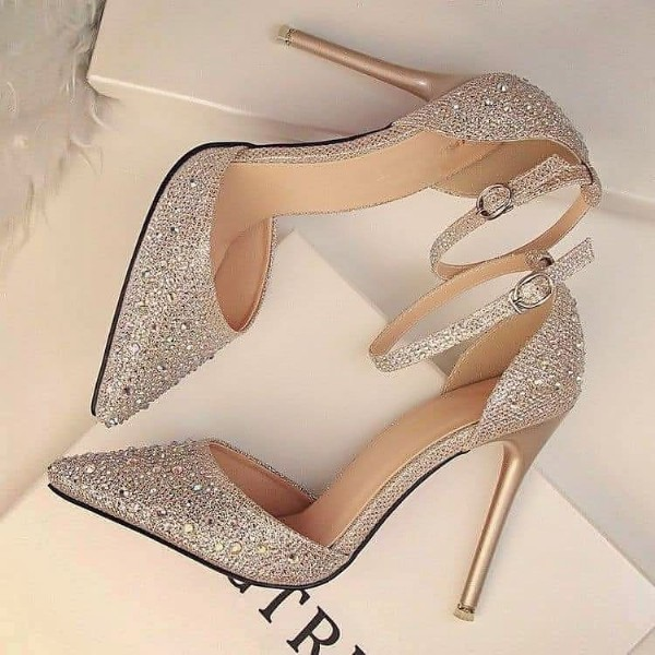 Photo by Cute/Ugly on August 02, 2021. May be an image of high-heeled shoes and sandals.