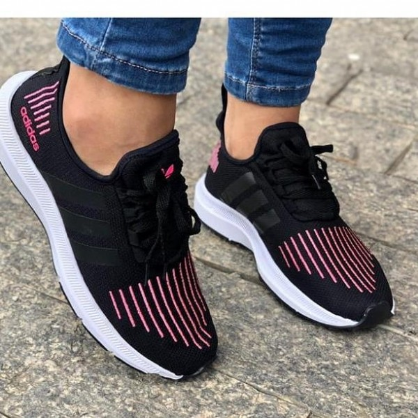 Photo by  La Boutique varietes  on June 09, 2021. May be an image of footwear.