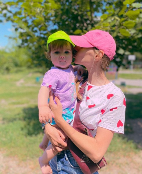Photo shared by Алина - супер-мама² on August 01, 2021 tagging @happy_twins_sis. May be an image of 1 person, baby, standing and outdoors.