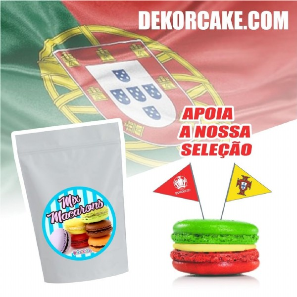 Photo by DekorCake on June 19, 2021. May be an image of food and text that says 'DEKORCAKE. COM APOIA A NOSSA SELEÇÃO EURD2020 Maearons Mix DekorCake'.