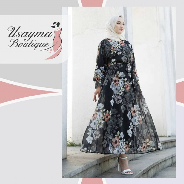 Photo by usayma boutique on July 26, 2021. May be an image of 1 person, standing and text.